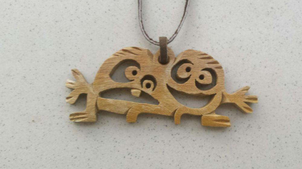 Колие - дърворезба