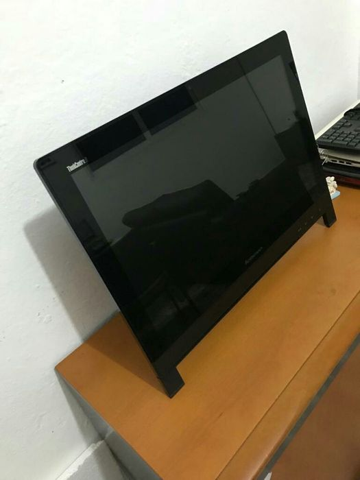 """All in One Lenovo 24"""" Core i3 8GB RAM 500GB HDD limpo"""
