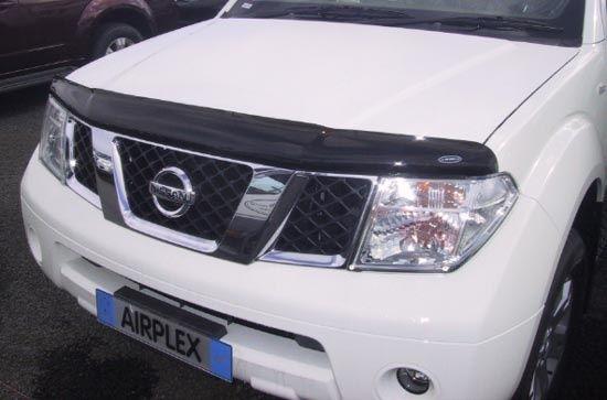 Мухобойки на Nissan