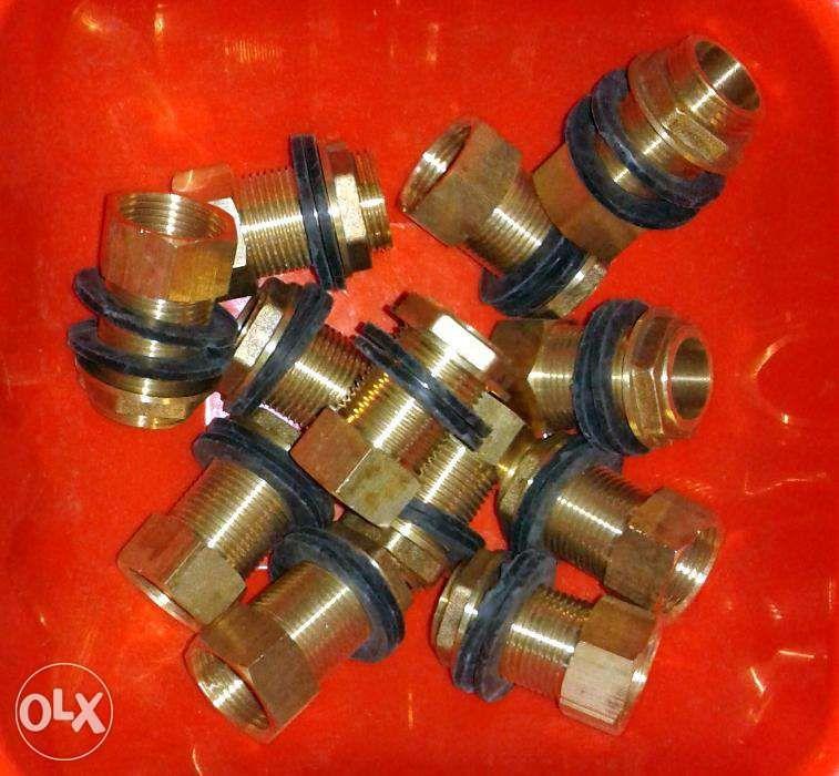 Adaptor butoi plastic pentru robineti 1/2---3/4