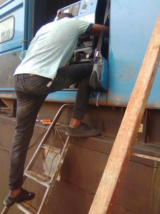 manutenção e reparação de grupo diesel gerador industrial.