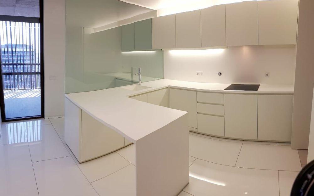 Arrendo um excelente apartamento T3 mobilado no JN130, num andar alto