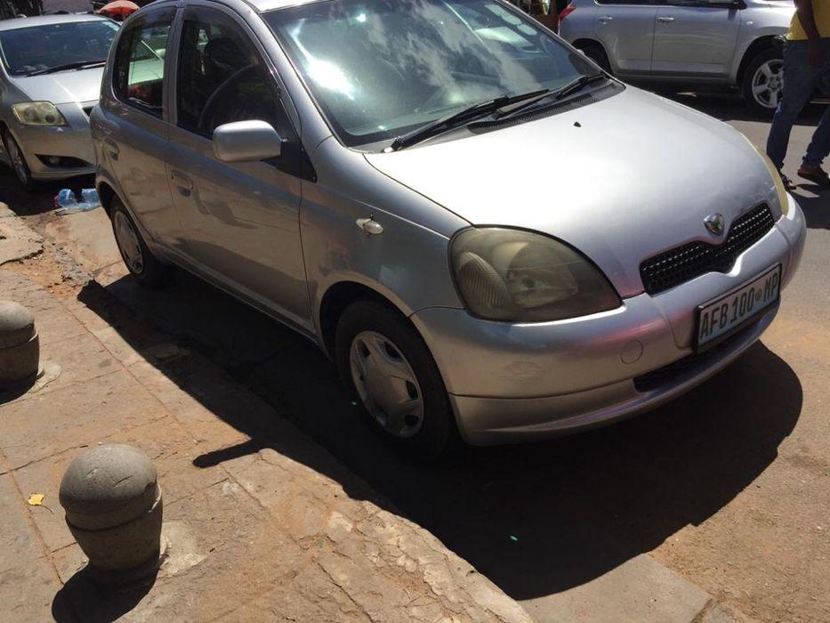 Toyota Vitz Modelo:2001
