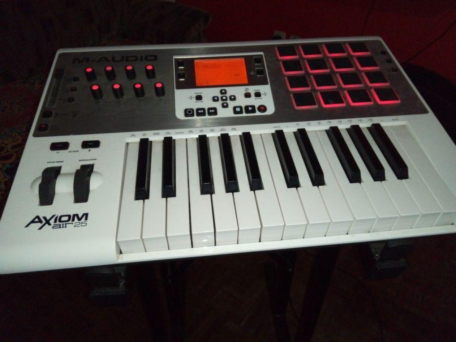 M-audio axiom air 25 para Sample e produção