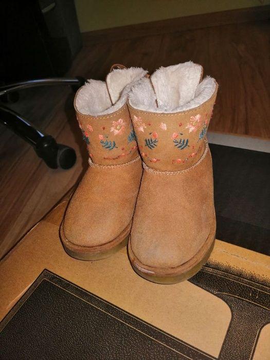 Ghete cizme cismulite captusite de copii Zara Baby Kids marimea 24