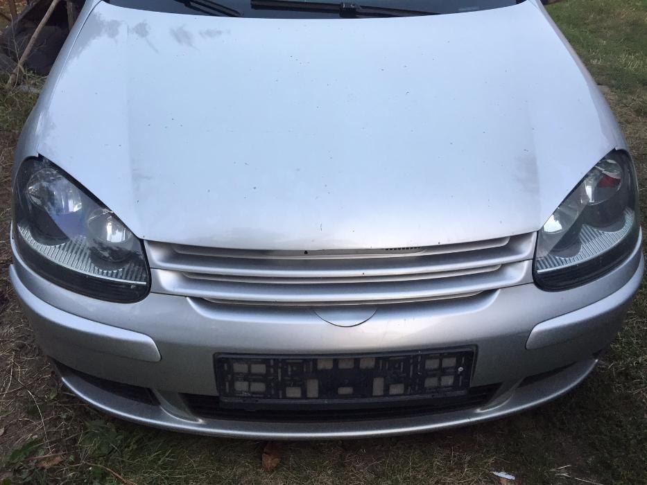 Dezmembrez VW GOLF 5 1.9 TDI 2008
