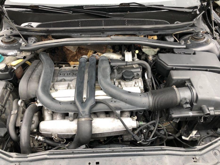 Dezmembrez volvo s80 2.8 bi turbo motor volvo s80 Twin turbo