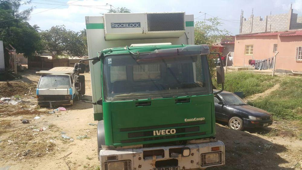 Caminhão Iveco Frigorífico Tudo funciona Motor seco e duro como pedra