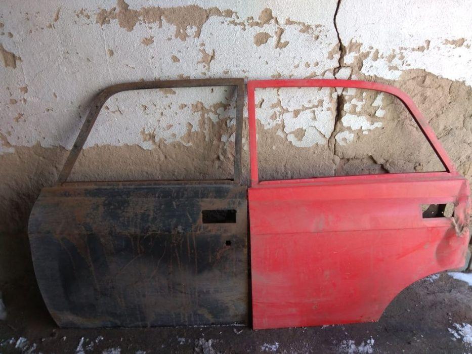 Продам двери на Москвич АЗЛК левая сторона, задняя и передняя