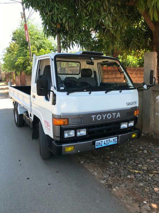 Toyota Dyna Motor 14B recém importado 100% legal