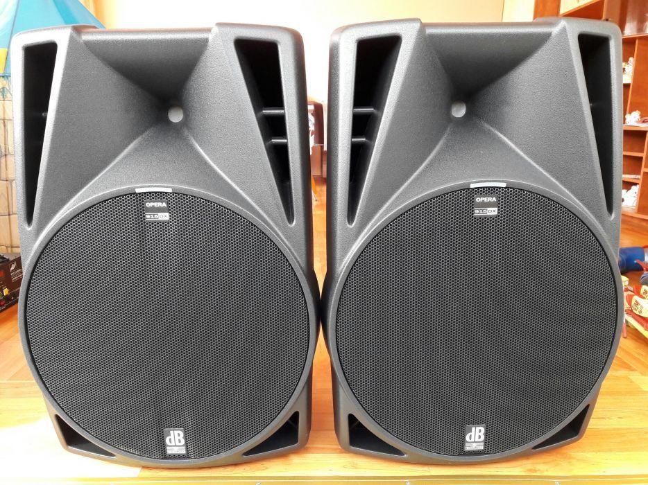 Vand Set DJ - Boxe Active DB 915 DX, Consola Numark Pro 3, Microfon DB
