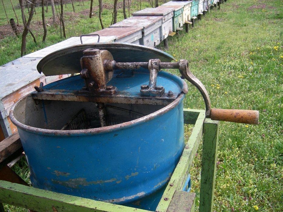 Masina pentru stors miere