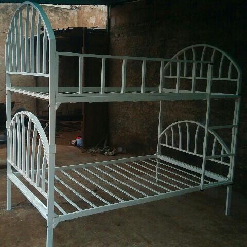 Base de cama metal belicha