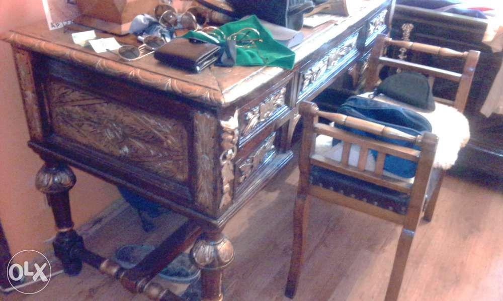 Birou vechi sculptat baroc