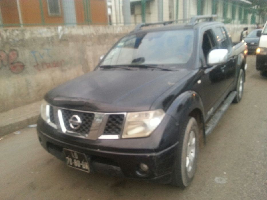 Nissan Navara cx automático