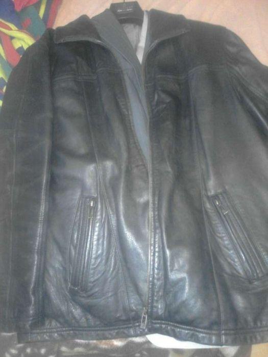 Vand geacă gen sacou din piele neagră