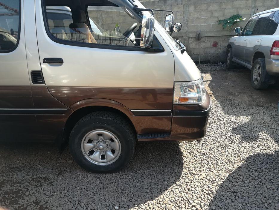 Ultimas semanas a sair Corcunda Toyota Hiace motor recém chegado