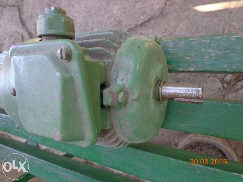 Електромотор и електрическа хидравлична помпа - Трифазни