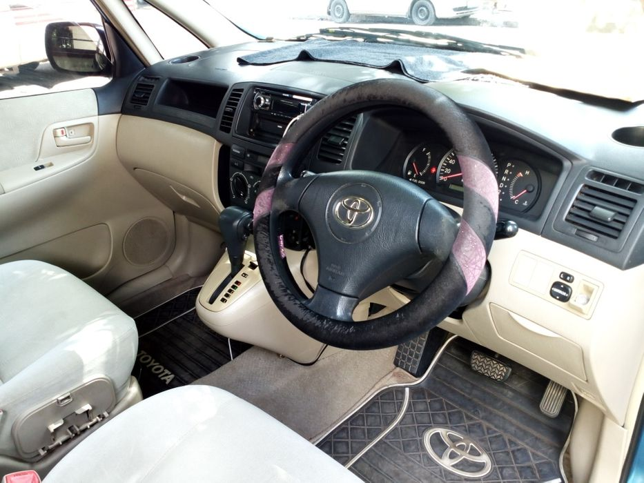 Vendo este Toyota Spacio muito bom venha negociar um pouco e leva