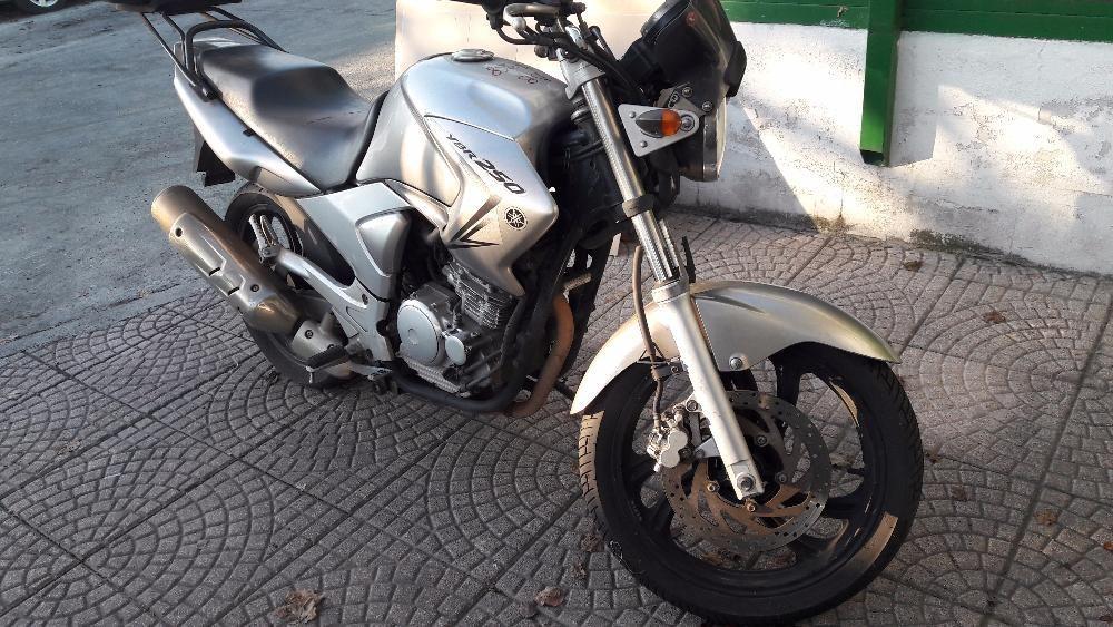 Мотоциклет Ямаха (Yamaha YBR ) 250-на части