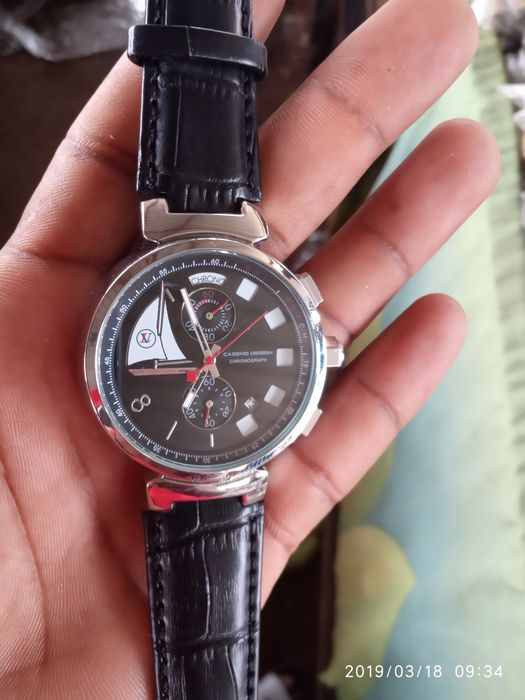 Relógio Louis Vuitton