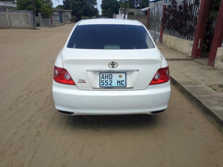 Toyota Mark X branca