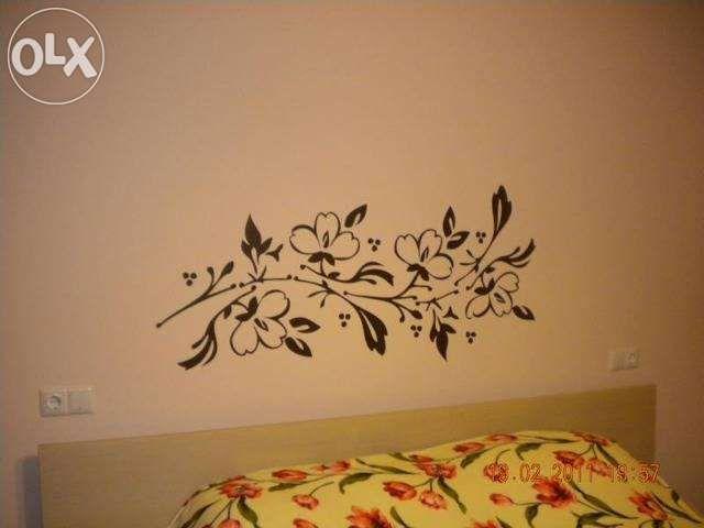 Flori in dormitor – stickere decorative