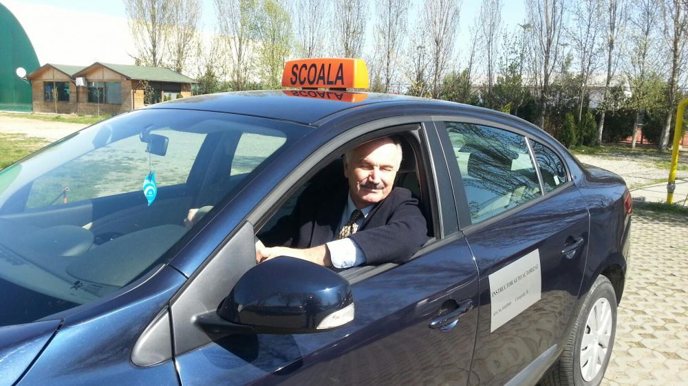Instructor auto categ. B Tataru Ion - Scoala de soferi Bucuresti Bucuresti - imagine 3