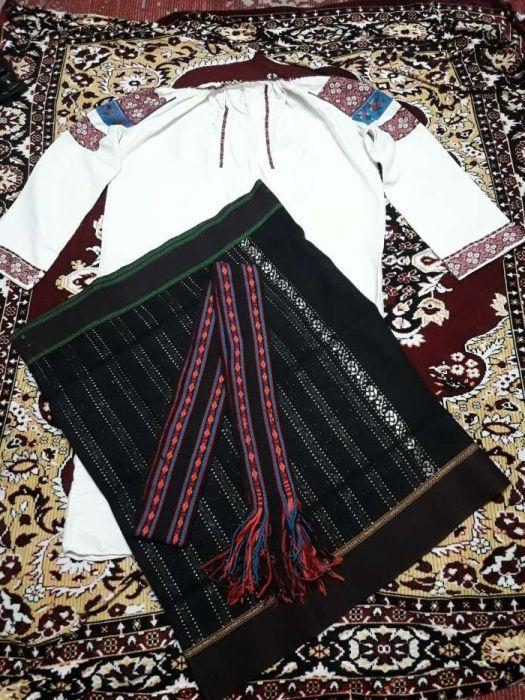 Costum popular de dama Radauti - imagine 1
