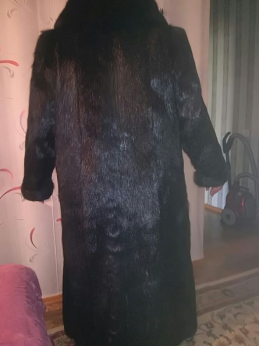 Продам нутр,шубу,большого размера,Российский цельн,мех,воротник песец