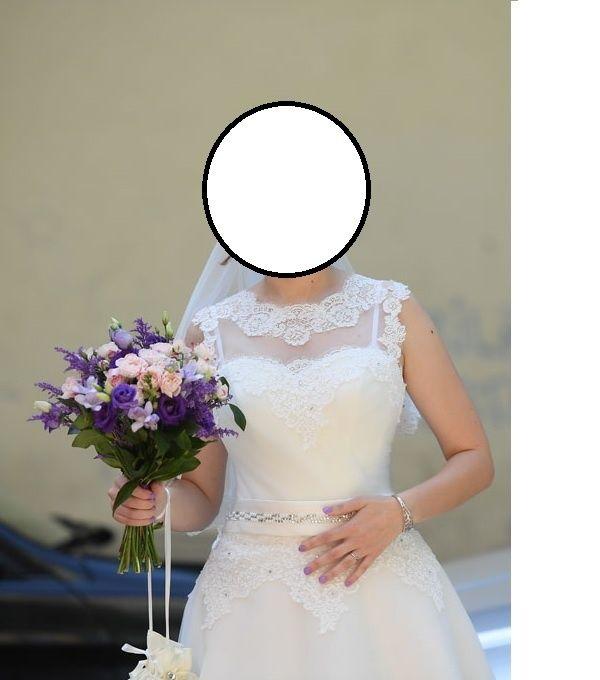 Rochie de mireasa cu crinolina si posetuta inclusa