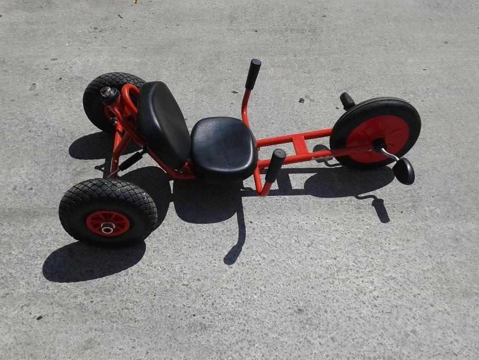 Tricicleta, cart cu pedale, pentru copii