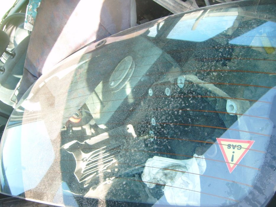 Задно стъкло за Рено Меган Сценик 97год