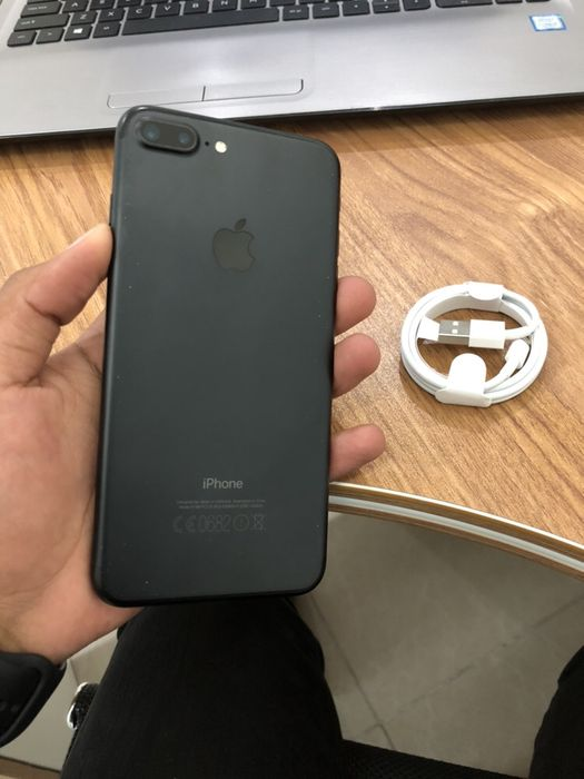 Vendo IPhone 7 Plus 256GB Matteblack NOVO com cabo