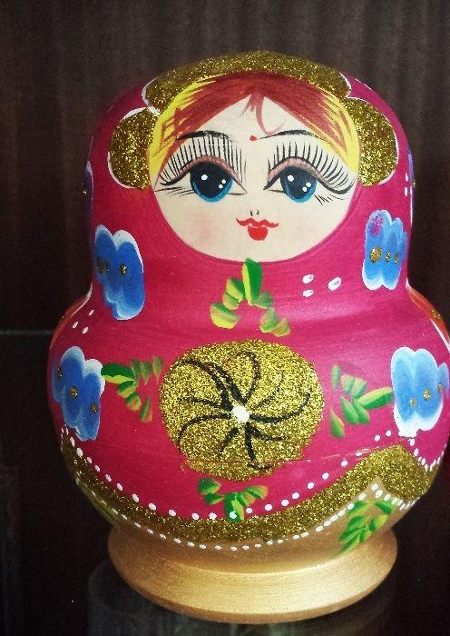 Руска Матрьошка - ръчно рисувана