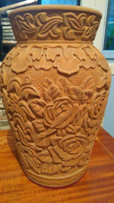 Ваза резная деревянная
