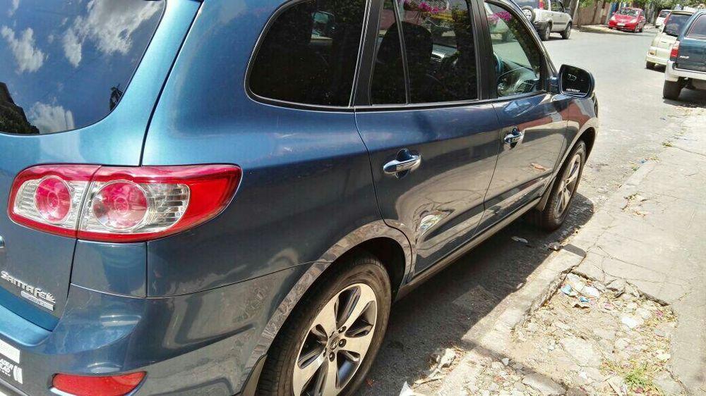 Hyundai Santa Fé 2012 impecável