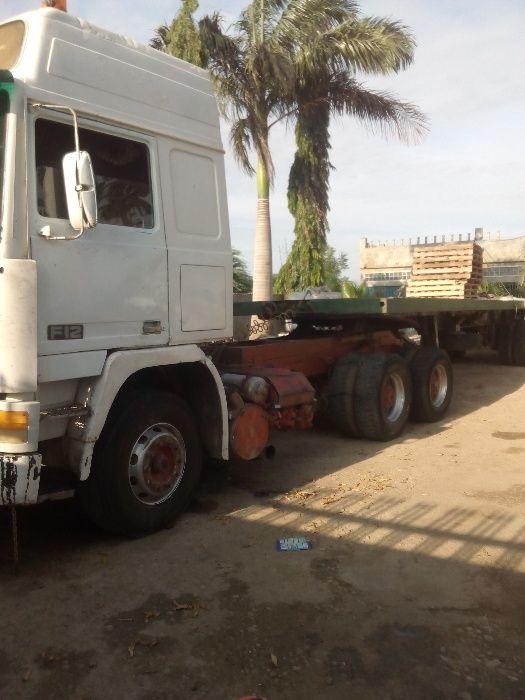 Vendo Volvo F12 com trailer estera