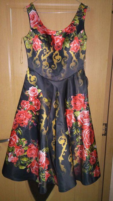 Rochie cu imprimeu floral !