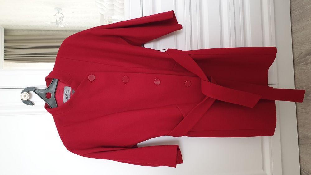 Продам пальто в идеальном состоянии.