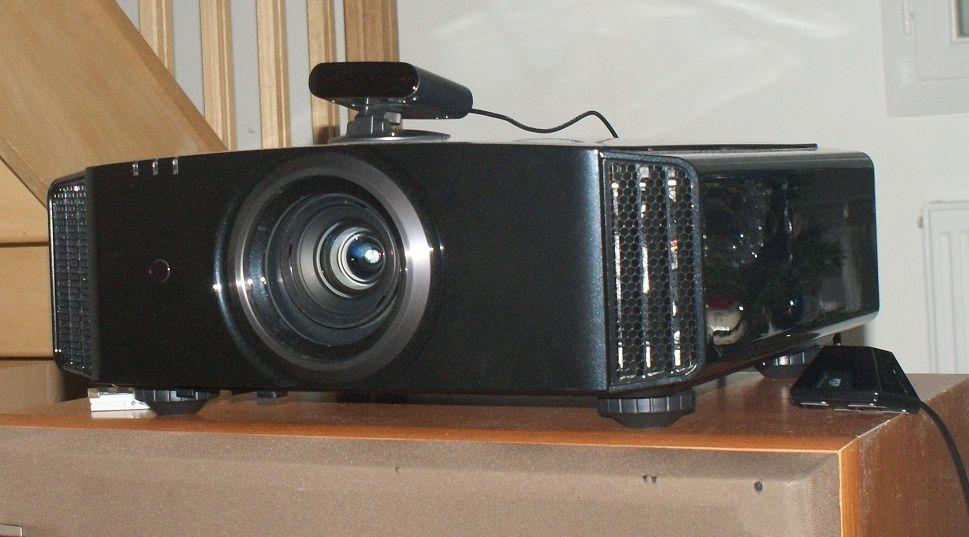 Videoproiector ultraprofesional JVC X3 DILA fullHD 3D 50.000:1 fullBox