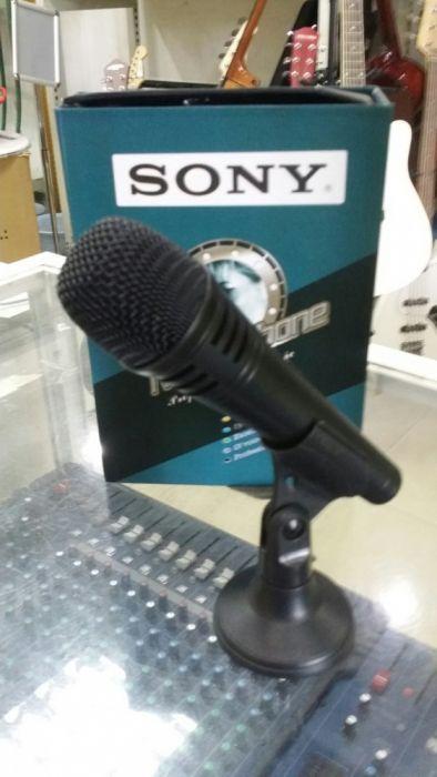 Microfone Sony com fio