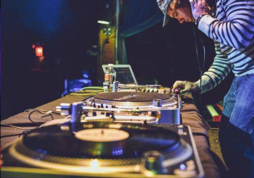 DJ para seu Evento em Luanda