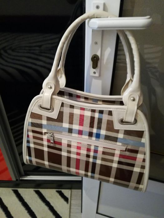 Маркови елегантни дамски чанти