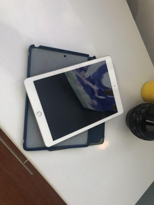 Ipad 5 com 32gigas Wi-Fi super super limpo ou seja em ótimas condições Malhangalene - imagem 3