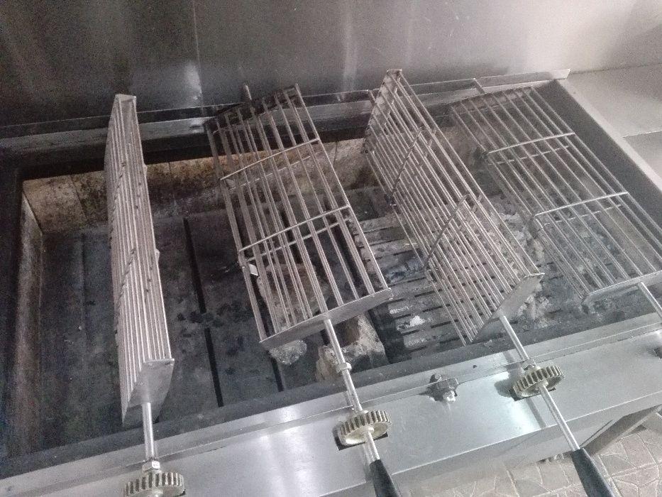 Churrasqueira Giratória à Carvão Portuguesa