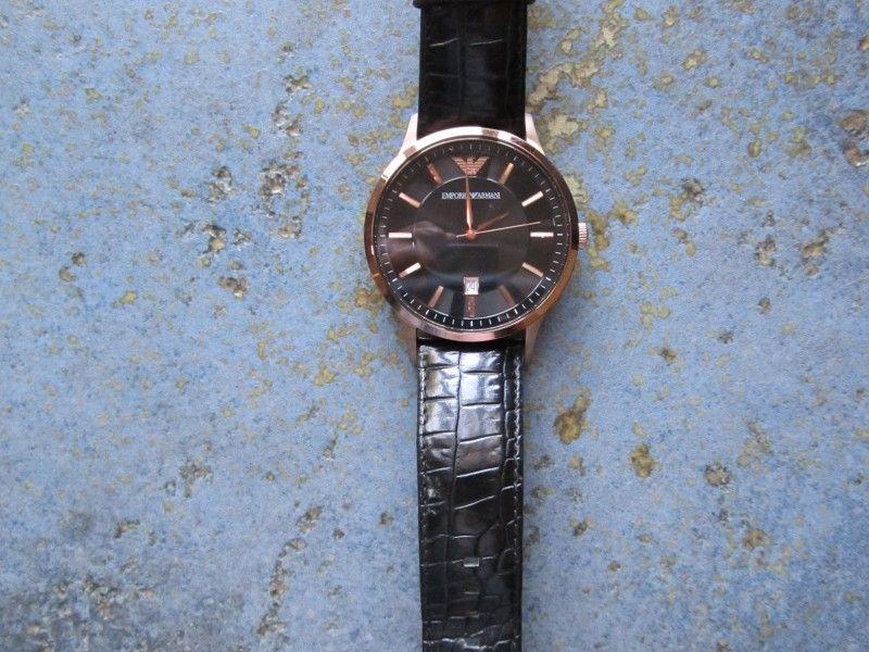 продавам 100 % оригинален мъжки часовник ARMANI АРМАНИ модел AR2425