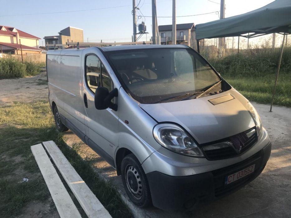 Dezmembram Opel Vivaro 2.0 CDTI 2006