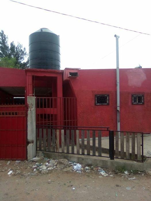 Bar. Proximo ha esc primaria kurula ( b maxaquene) Malhangalene - imagem 5