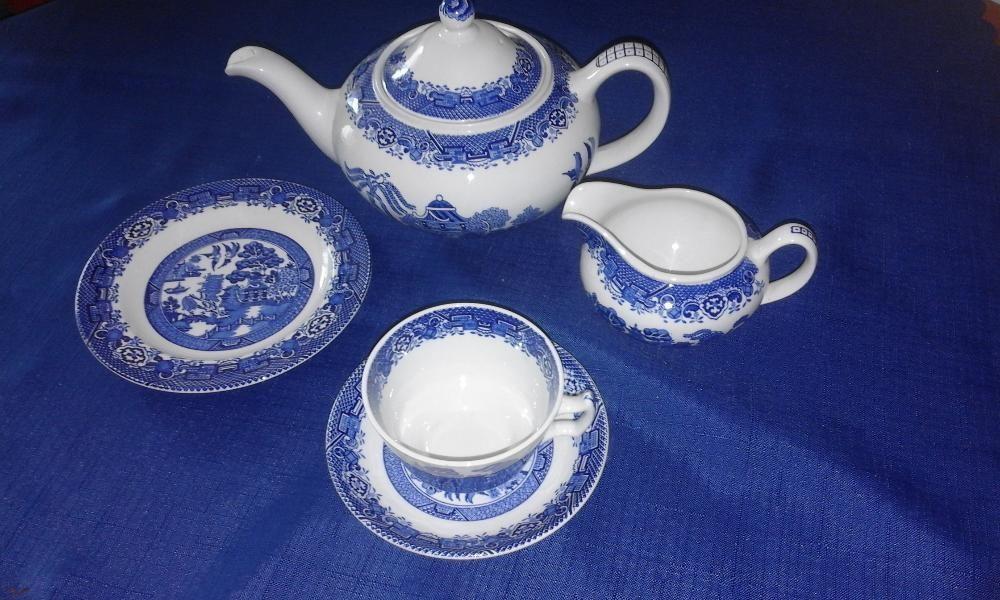 Нов сервиз за чай, английски порцелан.